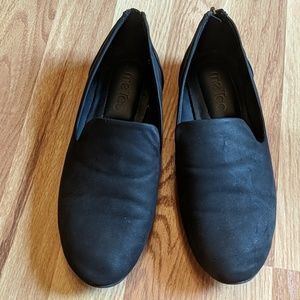 Black Flats with zipper detail
